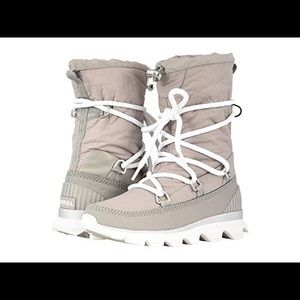 Sorel kinetic boot- chrome gray/ white